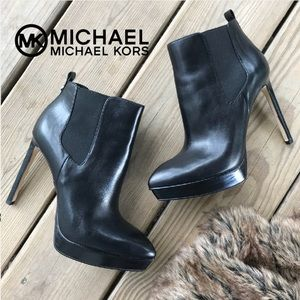 Michael Kors Meadow Bootie Ankle Boot Heels 8